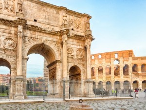 Classic_Ancient_Rome_Colosseum_with_VIP_Underground_Access_Private-tSa-800X600