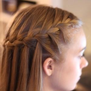 peinados-con-trenzas-para-navidad-castaño