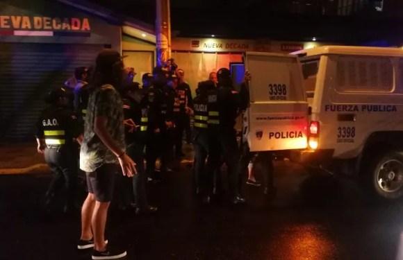 Fuerza Pública de manera injustificada golpea a estudiantes de UCR