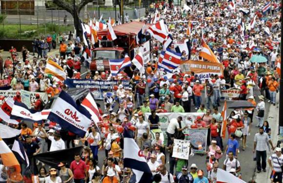 Unión Sindical consultará a bases propuesta de acuerdo para mesa de diálogo real con el Gobierno, pero la huelga continúa