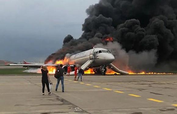 Confirman muerte de 41 personas tras incendio de avión ruso