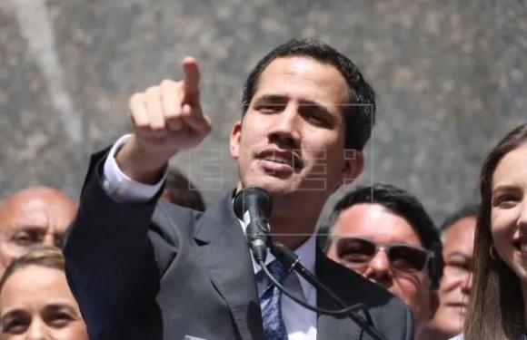 Guaidó dice que la Asamblea Nacional podría aprobar una intervención de EE.UU.