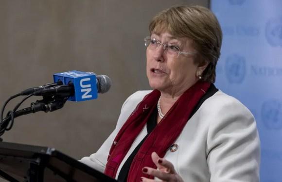Las negociaciones sólo darán frutos si incluyen a toda la sociedad, dice Bachelet al salir de Venezuela