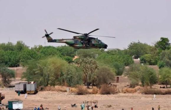 Francia pierde a 13 militares en el choque mortal de dos helicópteros en Mali