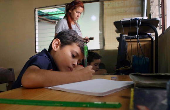 Clases online pasan factura en formación de estudiantes en Venezuela