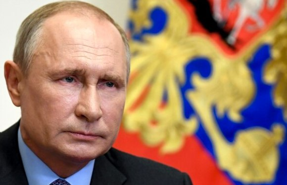 Vladimir Putin insinúa decididamente que volverá a postularse para presidente
