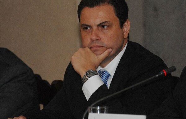 Benavides decide si en enero lanza precandidatura presidencial  para las elecciones del 2022