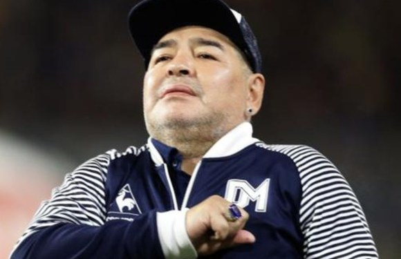 Muere Diego Armando Maradona de un paro cardiorespiratorio