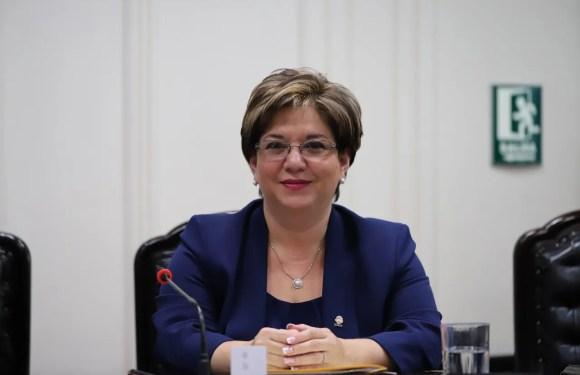 Diputada Shirley Díaz renuncia al PUSC y se declara INDEPENDIENTE.