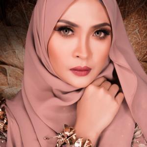 1984 Siti Nordiana – malaysia singer