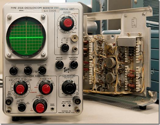 Tektronix Oscilloscope - CRT type