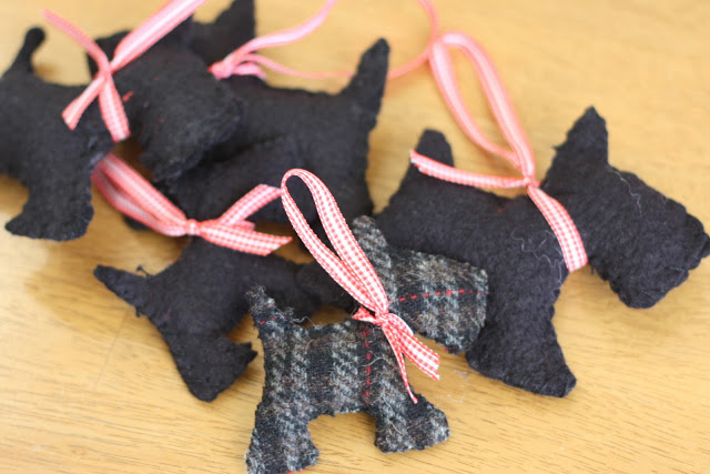 Handmade Christmas Ornament Ideas by popular Utah quilting blog, Diary of a Quilter: image of felt scotty dog ornaments.