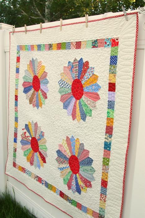 dresden plate vintage inspired quilt