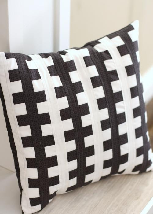Zipper Pillow Tutorial Amy Smart