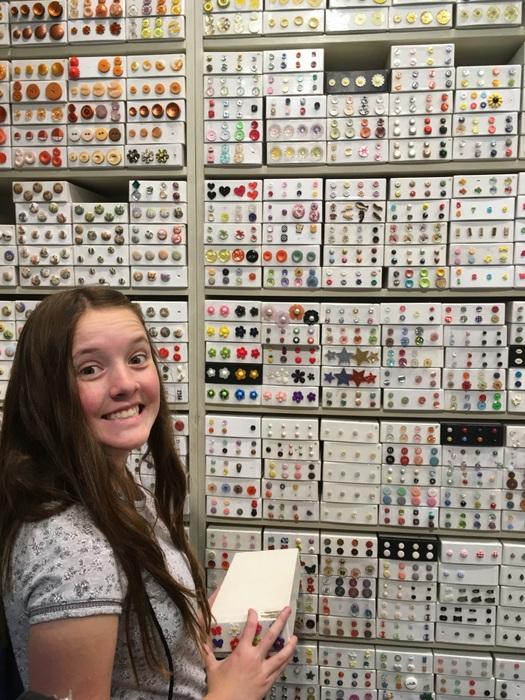 button-girl