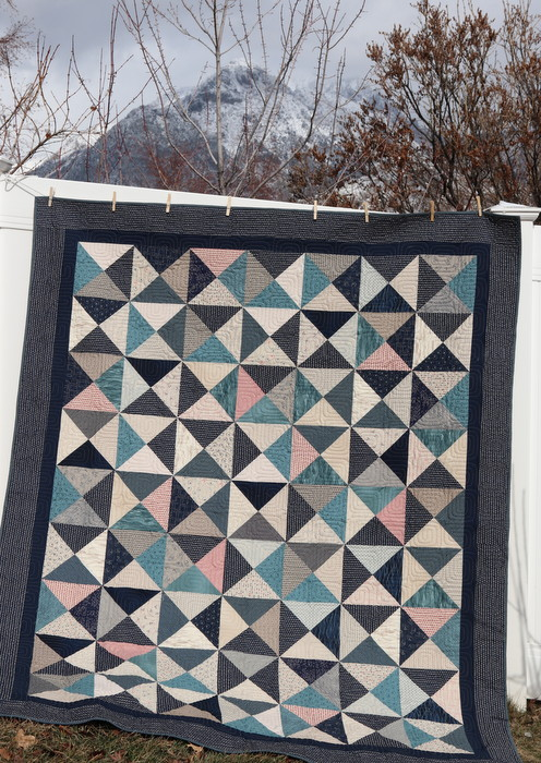Amy Smart Hour Glass Quilt-001