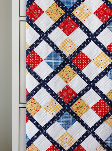 Free Pattern tutorial using 5 Gingham Girls Fat Quarters + background yardage from Andy of A Bright Corner.