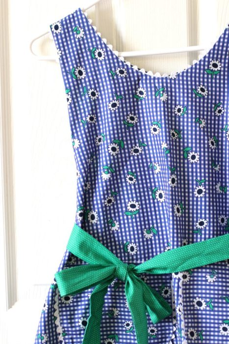 Vintage inspired apron made with Sunnyside Ave fabrics by Amy Smart