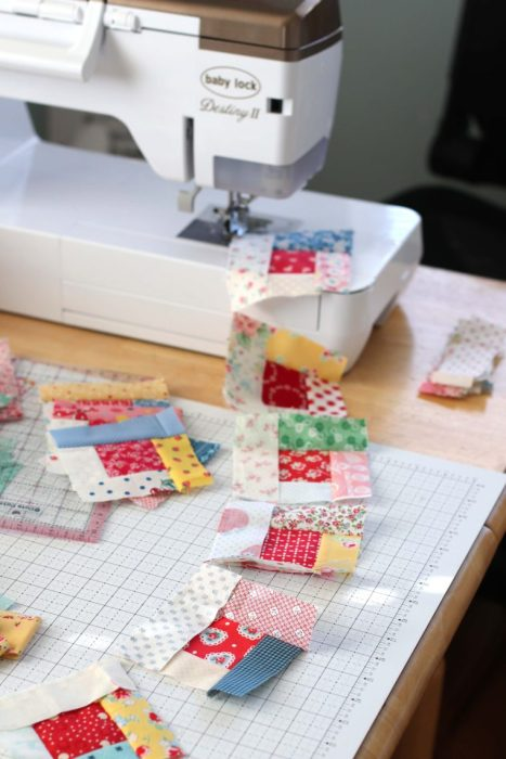Chain stitching Log Cabin Quilt blocks