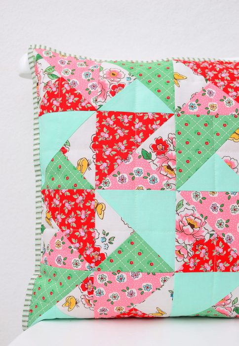 Simple Quilted Pillow Tutorial From Nadra Of Ellis Higgs