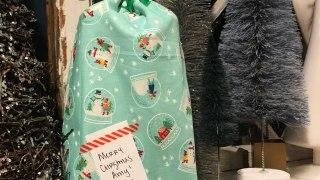 Custom Gift Bags Tutorial by guest Lee Monroe