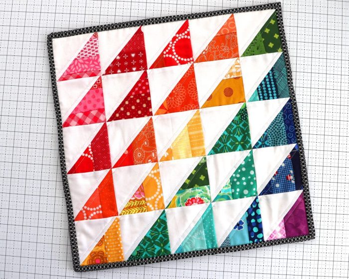 Bonuns mini quilt pattern by Amy Smart