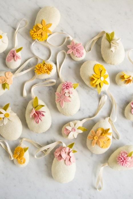 Handmade wool Easter Eggs pattern