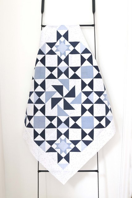 Chambray Blues classic quilt design made by Amy Smart using Tradition pattern by Jessica Dayon