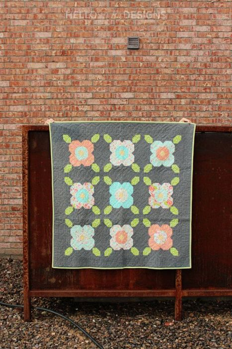 Daisy Lane baby quilt pattern by Hello Melly Sews