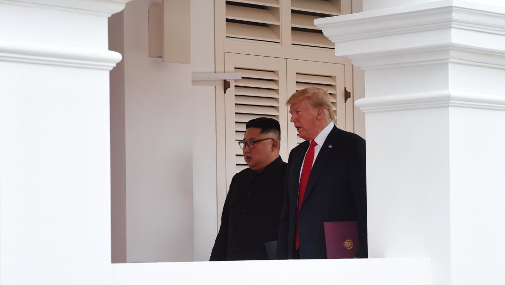 A la Une: le regard décalé du New York Times sur le sommet de Singapour