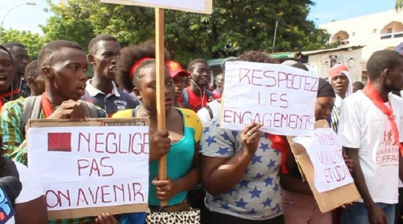 Marche des étudiants orientés dans le privé