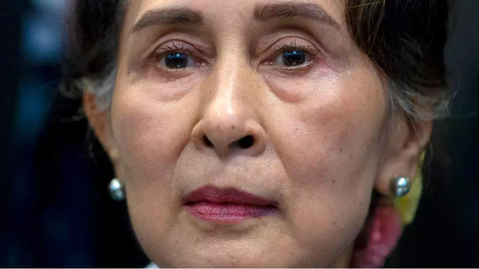 Birmanie: Aung San Suu Kyi inculpée pour corruption dans un troisième procès