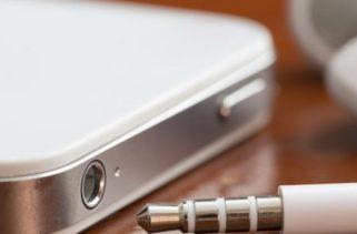 Como o Jack 3.5mm em dispositivos eletrônicos se tornou a norma?
