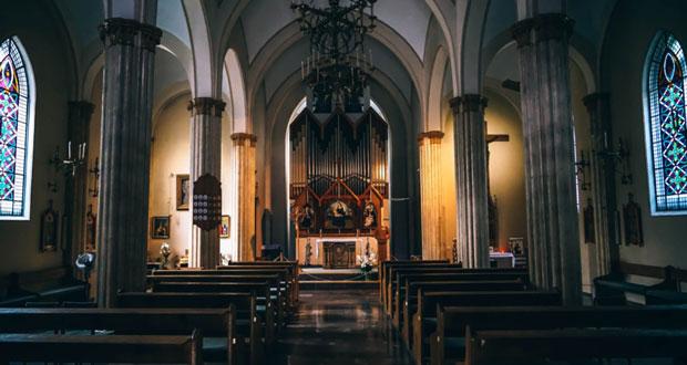 Qual é a diferença entre católicos e cristãos?