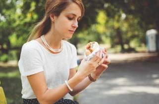 Top 7 alimentos que podem causar acne