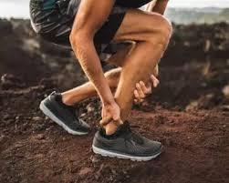 Por que atletas como ciclistas e nadadores raspam as pernas?