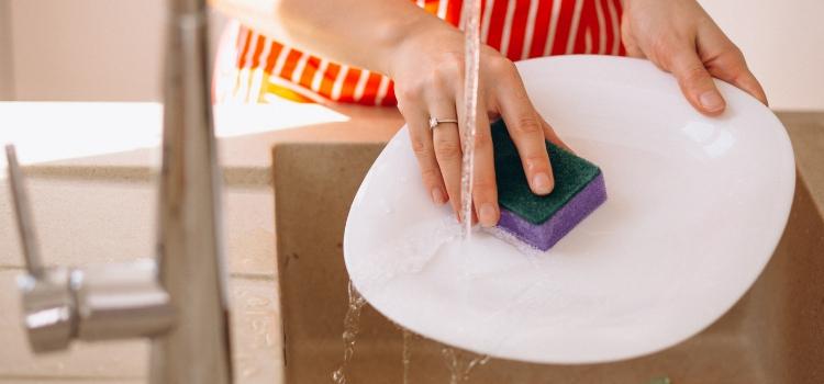 fazer detergente caseiro com bicarbonato simples