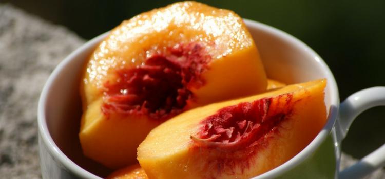 quais as frutas que engordam em calda