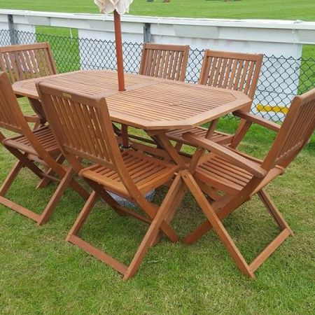 Poseur table hire dick ropa entertainments - Garden furniture kings lynn ...