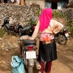 Girl, Motorcycle and Pig, Sà Phìn Market