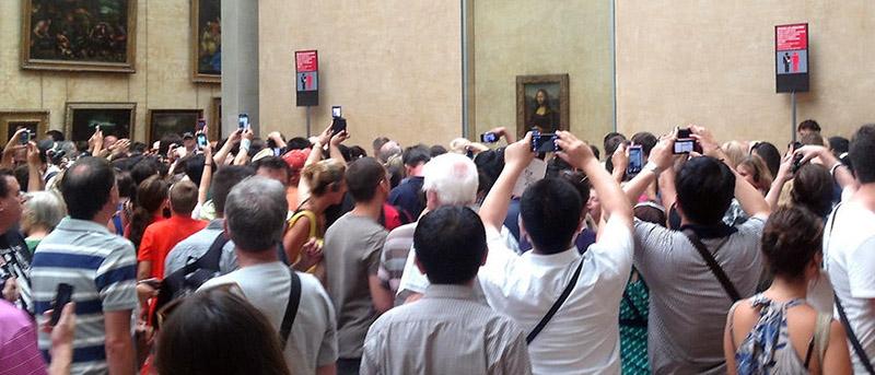 Risultati immagini per visitatori nei musei