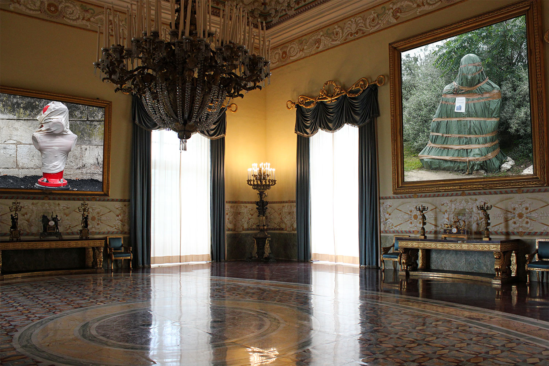 """La série """"Emballés"""" de Didier Gualeni au Musée Capodimonte de Naples"""