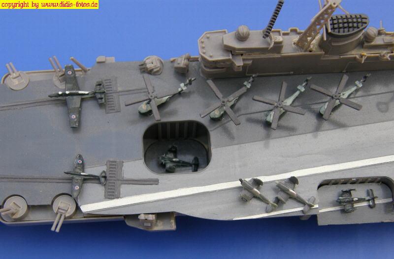 """brit. Flugzeugträger der Audacious-Klasse R-05 H.M.S. """"Eagle"""" (Fujimi 44124) 1:700"""