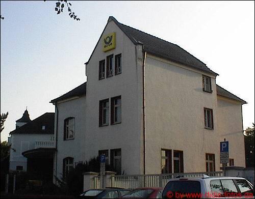 noch das Postgebäude