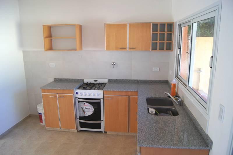 Venta duplex dos dormitorios nuevos con patio en Escobar