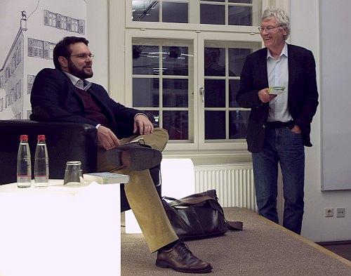 Dr. Daniel-Pascal Zorn (li) im Gespräch mit Dr. Michael Kienzle. Foto: © M. Seehoff
