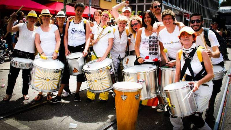 Drumadama Sambagruppe Percussion Walking Act