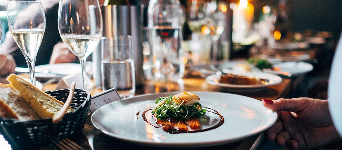 Die Weinschwenker. Menueabende für Menueabende für Gourmets und Weinfreunde.