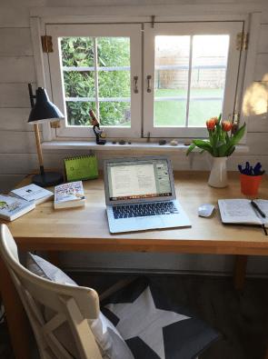 schreibtisch im Gartenhaus