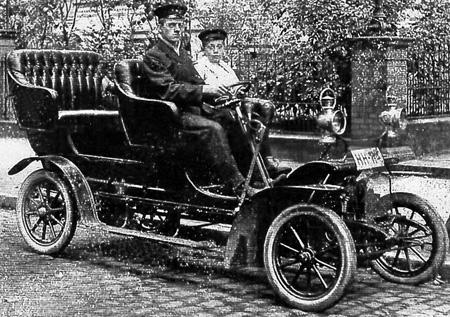 Historisches Foto, motorisierte Droschke in Hamburg (aus Familienbestand)